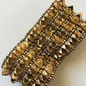 Jewelry - Spike fashion bracelet in gold